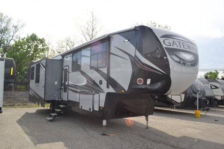 2018 Gateway 3712RDMB Fifth Wheel Link to Photo 144712
