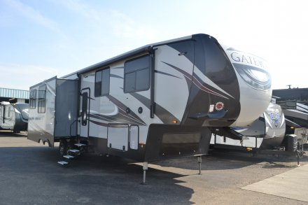 2018 Gateway 3712RDMB Fifth Wheel Link to Photo 144068