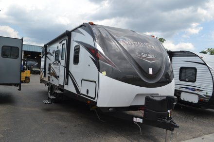 2018 North Trail 26DBSS Travel Trailer Link to Photo 148640