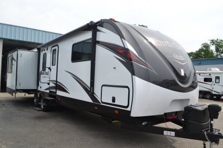 2018 North Trail 32RETS Travel Trailer Link to Photo 151299