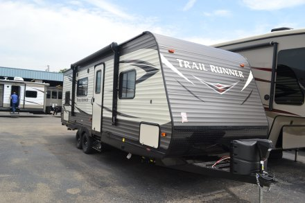 2018 Trail Runner SLE 25SLE Travel Trailer Link to Photo 150502