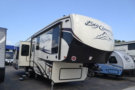 2018 Big Country 3155RLK Fifth Wheel Link to Photo 160590