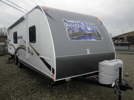 2013 North Trail 31QBS Travel Trailer Link to Photo 10336