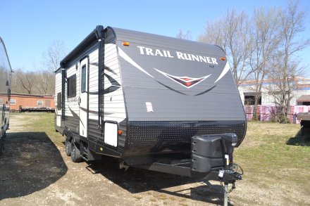 2019 Trail Runner SLE 22SLE Travel Trailer Link to Photo 184335