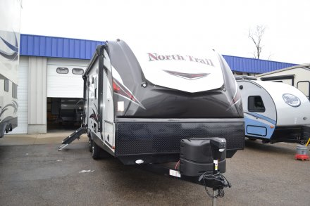 2018 North Trail 22CRB Travel Trailer Link to Photo 173414