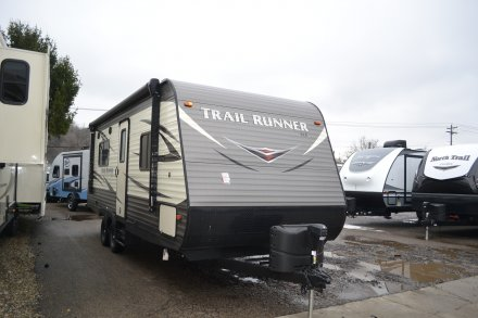 2018 Trail Runner SLE 24SLE Travel Trailer Link to Photo 182638