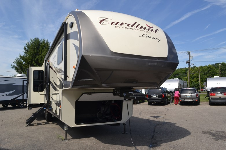 2019 Cardinal Luxury 3850RL Fifth Wheel by Forest River On Sale