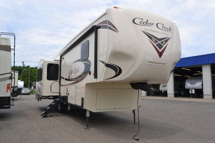 5Th Wheel Campers >> 5th Wheel Campers By Forest River At Wholesale