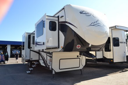2019 Big Country 3902FL Fifth Wheel Link to Photo 197279