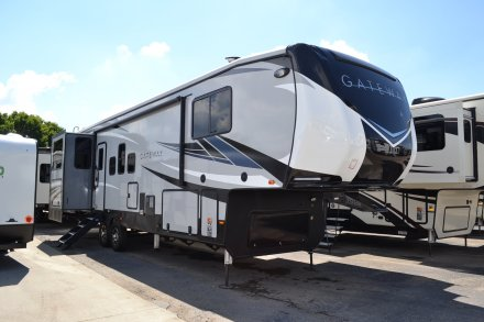 2019 Gateway 3230CK Fifth Wheel Link to Photo 199334