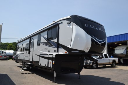 2019 Gateway 3810RLB Fifth Wheel Link to Photo 198753