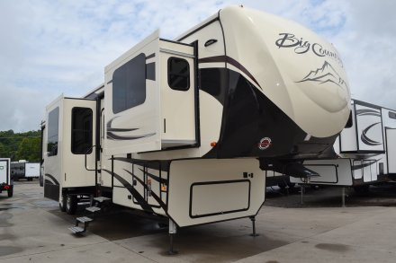 2019 Big Country 3902FL Fifth Wheel Link to Photo 203203