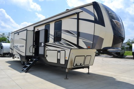 Fifth Wheel Trailer >> 5th Wheel Campers By Forest River At Wholesale