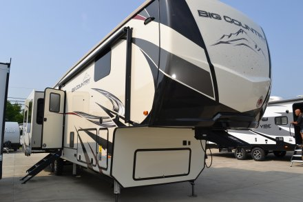 2020 Big Country 3560SS Fifth Wheel Link to Photo 270887