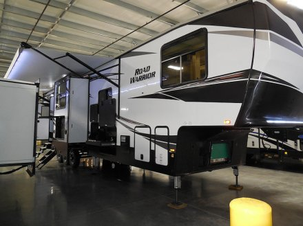2020 Road Warrior 430RW Fifth Wheel Link to Photo 323200