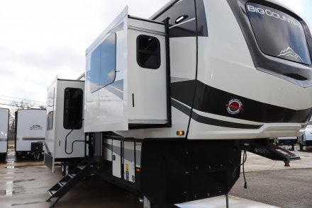2021 Big Country 3902FL Fifth Wheel Link to Photo 381348