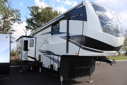 2022 Big Country 3560SS Fifth Wheel Link to Photo 402086