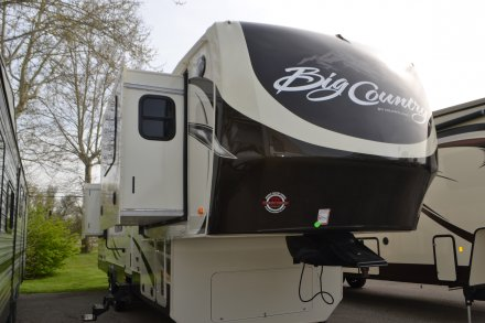 2016 Big Country 3800FL Fifth Wheel Link to Photo 69217