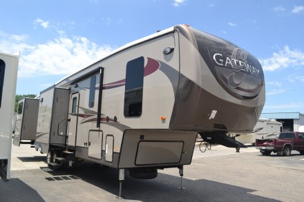 2017 Gateway 3650BH Fifth Wheel Link to Photo 116082