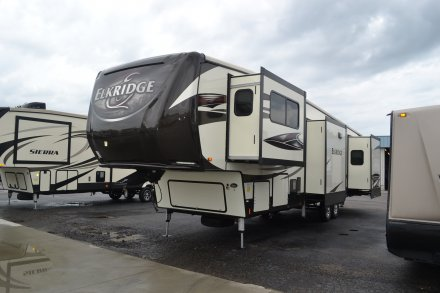 2017 Elkridge 40FLFS Fifth Wheel Link to Photo 121615