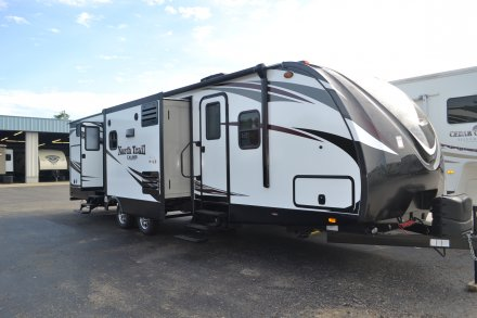 2017 North Trail 33BKSS Travel Trailer Link to Photo 120889