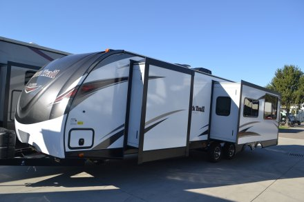 2017 North Trail 30RKDD Travel Trailer Link to Photo 126035