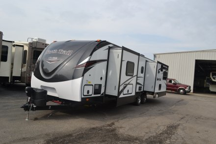 2017 North Trail 32RETS Travel Trailer Link to Photo 127660