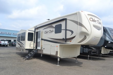 5Th Wheel Campers By Forest River At Wholesale
